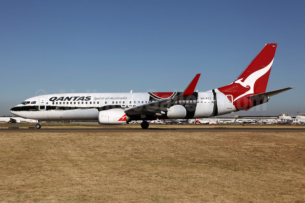 QANTAS Airways Boeing 737-838 WL VH-XZJ (msn 39365) (Mendoowoorrji) SYD (John Adlard). Image: 922009.