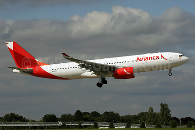 Avianca (Colombia) Airbus A330-243 N968AV (msn 1009) LHR (SPA). Image: 929477.