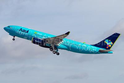 """Azul's 2015 """"Azul Viagens"""" special livery"""