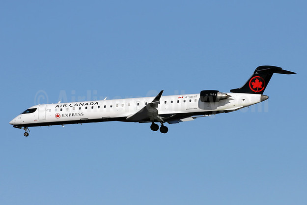 Air Canada Express-Jazz Aviation Bombardier CRJ900 (CL-600-2D24) C-GDJZ (msn 15049) DCA (Brian McDonough). Image: 941182.