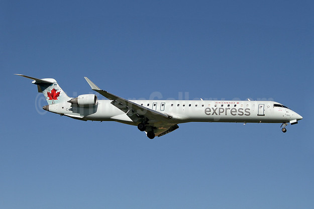Air Canada Express-Jazz Aviation Bombardier CRJ705 (CL-600-2D15) C-FCJZ (msn 15040) YYZ (Keith Burton). Image: 909814.