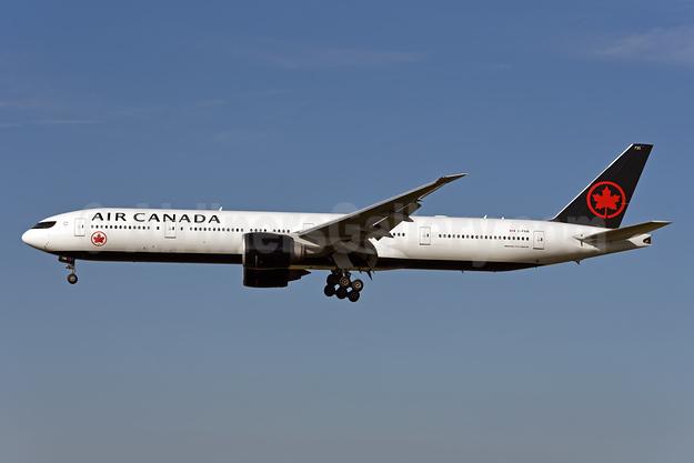 Air Canada Boeing 777-333 ER C-FIUR (msn 35242) ZRH (Rolf Wallner). Image: 942577.