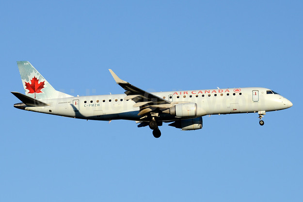Air Canada Embraer ERJ 190-100 IGW C-FMZW (msn 19000124) YYZ (Jay Selman). Image: 404016.