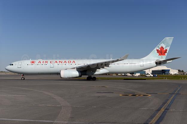 Air Canada Airbus A330-343 C-GHKR (msn 400) YYC (Ton Jochems). Image: 928673.