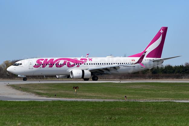 Swoop (WestJet) Boeing 737-8CT SSWL C-FYBK (msn 40336) YHM (TMK Photography). Image: 946774.