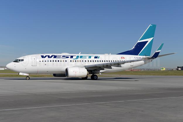 WestJet Airlines Boeing 737-76N WL C-GLWS (msn 32581) YYC (Ton Jochems). Image: 928299.