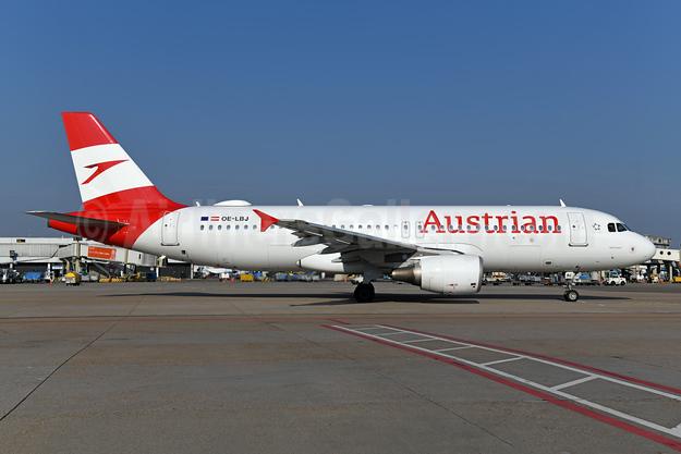 Austrian Airlines Airbus A320-214 OE-LBJ (msn 1553) AMS (Ton Jochems). Image: 946840.