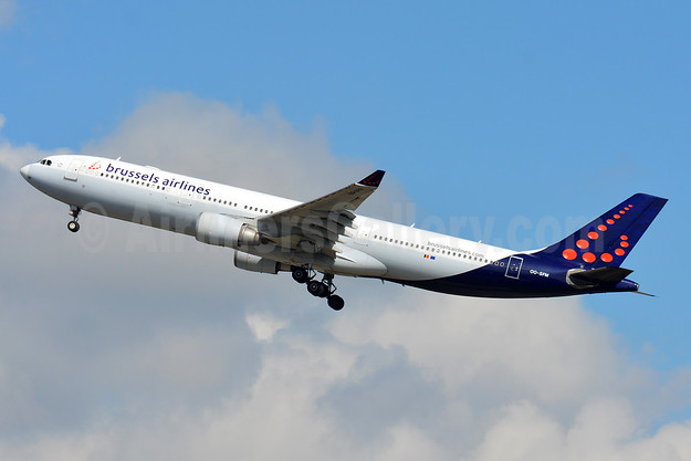 Brussels Airlines Airbus A330-301 OO-SFM (msn 030) ZRH (Paul Bannwarth). Image: 939584.