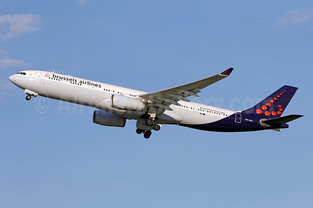 Brussels Airlines Airbus A330-343 OO-SFX (msn 1085) IAD (Brian McDonough). Image: 933802.