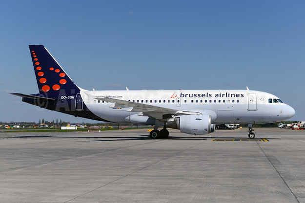 Brussels Airlines Airbus A319-112 OO-SSH (msn 2925) BRU (Ton Jochems). Image: 929333.