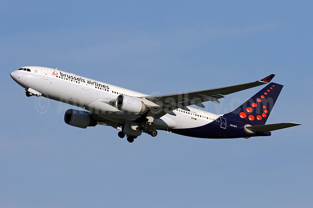 Brussels Airlines Airbus A330-223 OO-SFT (msn 291) IAD (Brian McDonough). Image: 953397.