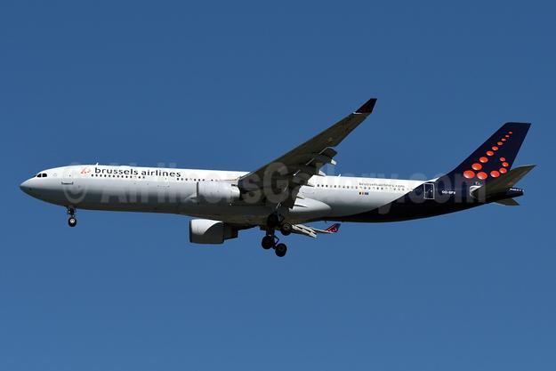 Brussels Airlines Airbus A330-322 OO-SFV (msn 095) JFK (Fred Freketic). Image: 945634.