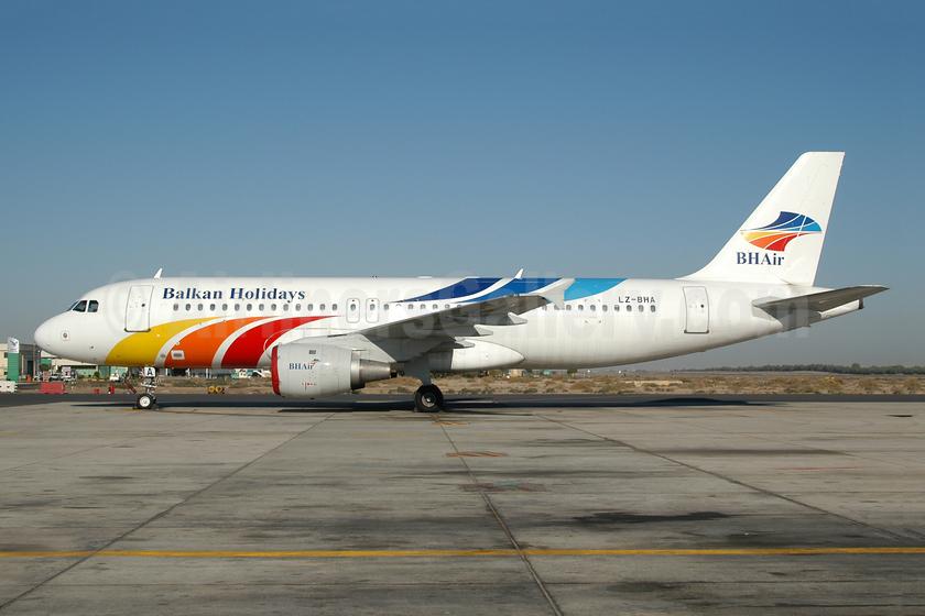 Balkan Holidays Airlines-BH Air Airbus A320-211 LZ-BHA (msn 29) SHJ (Ton Jochems). Image: 953317.