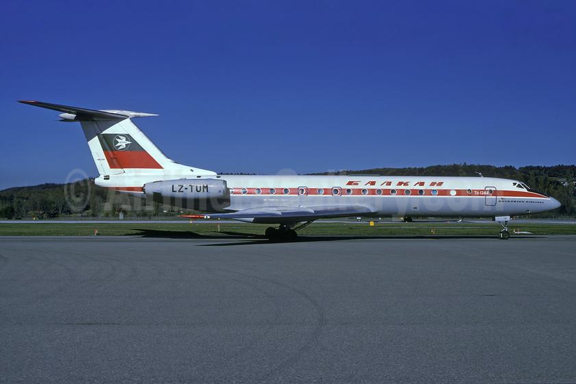 Balkan Bulgarian Airlines Tupolev Tu-134A-3 LZ-TUM (msn 3351906) ZRH (Rolf Wallner). Image: 937339.