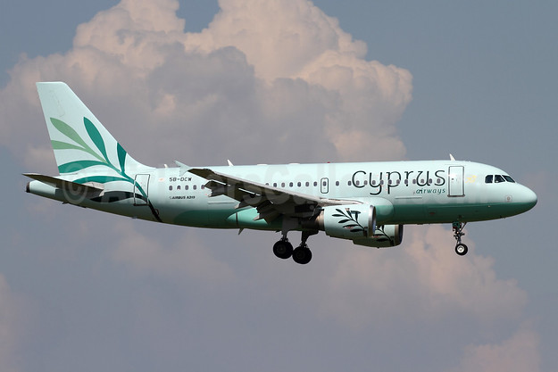 Cyprus Airways (2nd) Airbus A319-114 5B-DCW (msn 1129) ZRH (Andi Hiltl). Image: 942257.