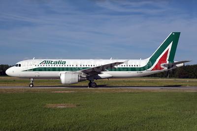 Alitalia (3rd) (Societa Aerea Italiana) Airbus A320-216 EI-EIA (msn 4195) ZRH (Rolf Wallner). Image: 928743.