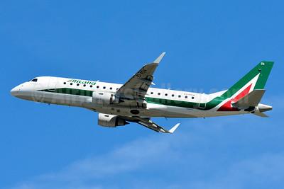 Alitalia CityLiner Embraer ERJ 170-200 (ERJ 175)  EI-RDA (msn 17000330) ZRH (Paul Bannwarth). Image: 929108.