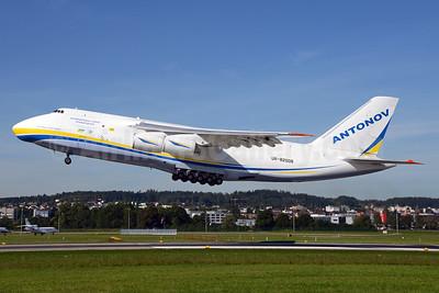 Antonov Design Bureau (Antonov Airlines) Antonov An-124-100 UR-82008 (msn 195305010006) ZRH (Rolf Wallner). Image: 929154.
