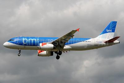 bmi (British Midland International) Airbus A320-232 G-MIDR (msn 1697) LHR (Bruce Drum). Image: 101564.