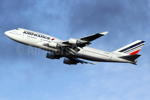 Special 747 retirement flight over France on January 14, 2016