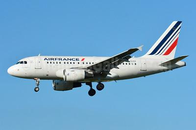 Air France Airbus A318-111 F-GUGG (msn 2317) ZRH (Paul Bannwarth). Image: 929109.