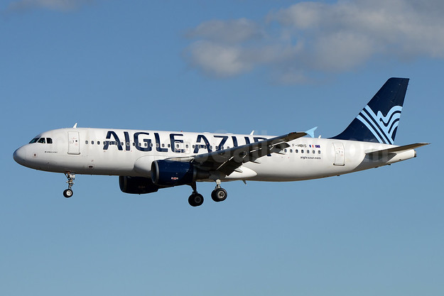 Aigle Azur Transport Aeriens (2nd) Airbus A320-214 F-HBIS (msn 3136) LIS (Ton Jochems). Image: 937595.