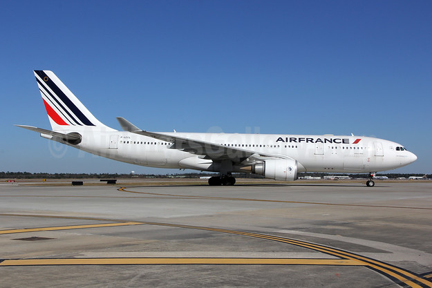 Air France Airbus A330-203 F-GZCL (msn 519) IAH (Jeffrey S. DeVore). Image: 903430.