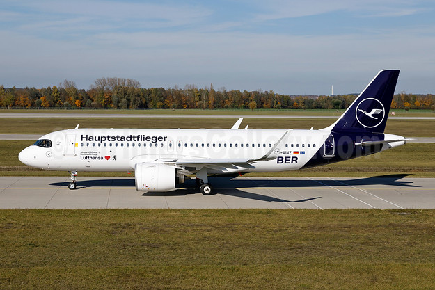 """Hauptstadtflieger"" (""Capital City Plane"") for the first LH flight to new Berlin Airport (BER) from MUC"