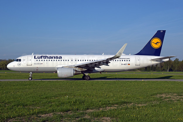 Lufthansa Airbus A320-214 WL D-AIZY (msn 5769) ZRH (Rolf Wallner). Image: 941880.