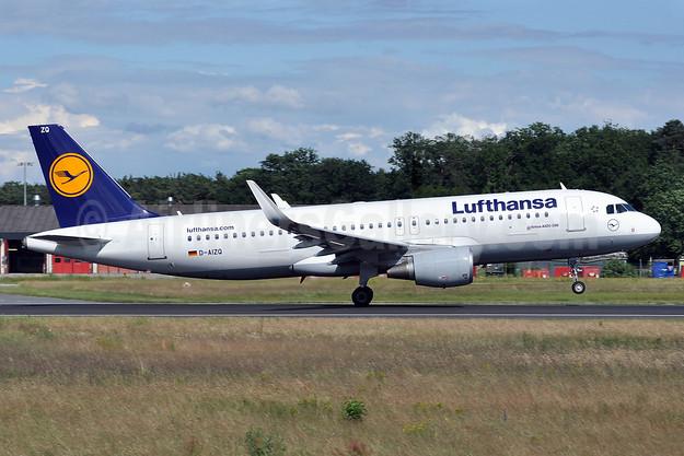 Lufthansa Airbus A320-214 WL D-AIZQ (msn 5497) FRA (Tony Storck). Image: 913168.