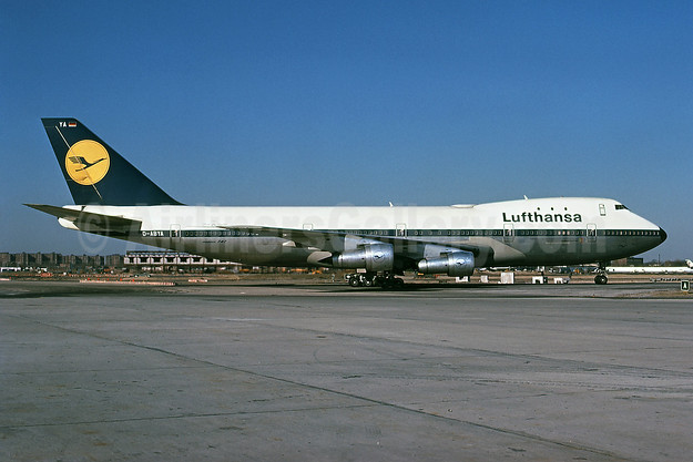 Lufthansa's first Boeing 747-130, delivered on March 10, 1970 - Best Seller