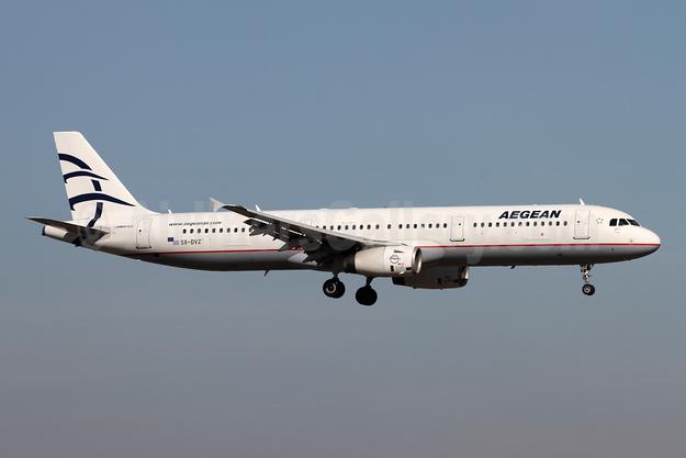 Aegean Airlines Airbus A321-231 SX-DVZ (msn 3820) LHR (Andi Hiltl). Image: 948198.