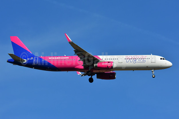 Wizz Air  (Hungary) Airbus A321-231 WL HA-LXT (msn 7706) BSL (Paul Bannwarth). Image: 946587.
