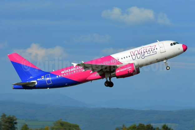 Wizz Air (wizzair.com) (Hungary) Airbus A320-232 HA-LWG (msn 4308) BSL (Paul Bannwarth). Image: 942988.