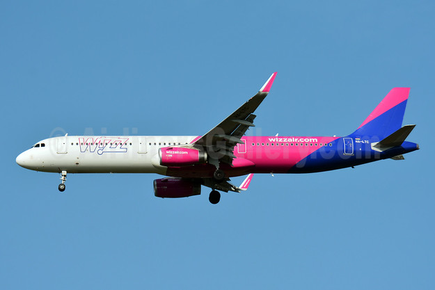 Wizz Air  (Hungary) Airbus A321-231 WL HA-LTC (msn 8295) BSL (Paul Bannwarth). Image: 946808.