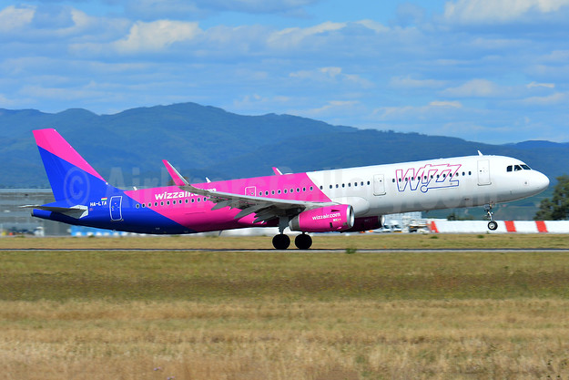 Wizz Air (wizzair.com) (Hungary) Airbus A321-231 WL HA-LTA (msn 8216) BSL (Paul Bannwarth). Image: 943340.