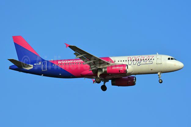 Wizz Air (wizzair.com) (Hungary) Airbus A320-232 HA-LWB (msn 4246) BSL (Paul Bannwarth). Image: 945385.