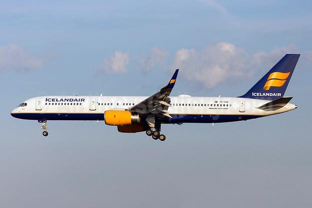 Icelandair Boeing 757-256 WL TF-FIZ (msn 30052) ARN (Stefan Sjogren). Image: 922962.