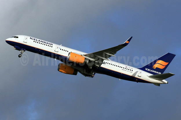 Icelandair Boeing 757-256 WL TF-FIT (msn 26244) LHR (SPA). Image: 928953.
