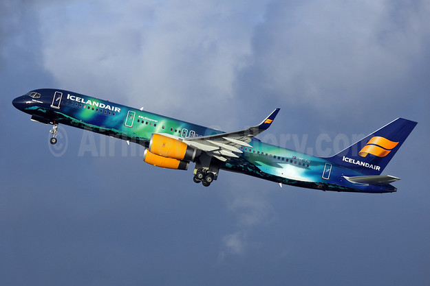 "Icelandair's ""Northern Lights"" special logo jet"