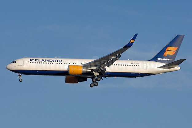 Icelandair Boeing 767-319 ER WL TF-ISN (msn 30586) YYZ (TMK Photography). Image: 933210.