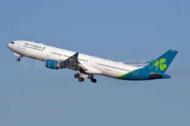 Aer Lingus Airbus A330-302 EI-EDY (msn 1025) JFK (Robbie Shaw). Image: 948358.