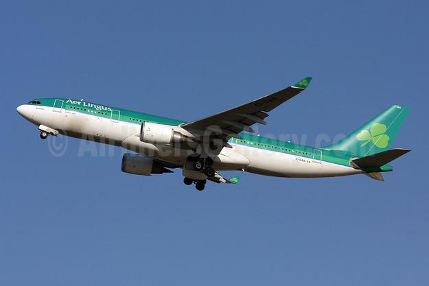 Aer Lingus Airbus A330-202 EI-DAA (msn 397) IAD (Brian McDonough). Image: 907081.