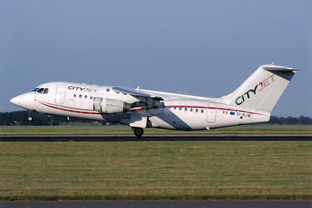 CityJet (Ireland) BAe RJ85 EI-RJW (msn E2371) AMS (Antony J. Best). Image: 938572.