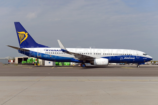 Ryanair Boeing 737-8AS WL EI-DCL (msn 33806) (Dreamliner colors) AMS (Ton Jochems). Image: 943514.