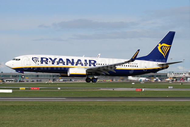 Ryanair's 450th Boeing 737-800