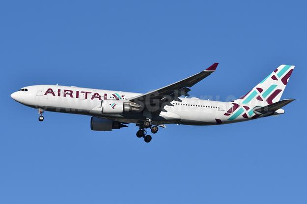 Air Italy (3rd) Airbus A330-202 EI-GGP (msn 521) JFK (Fred Freketic). Image: 945550.