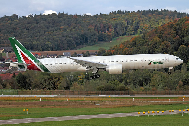 Alitalia's first Boeing 777-300