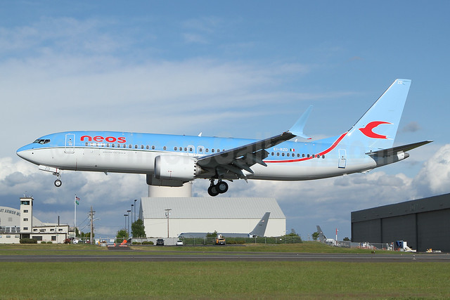 Neos Boeing 737-8 MAX 8 EI-RZD (msn 43582) PAE (Nick Dean). Image: 953818.
