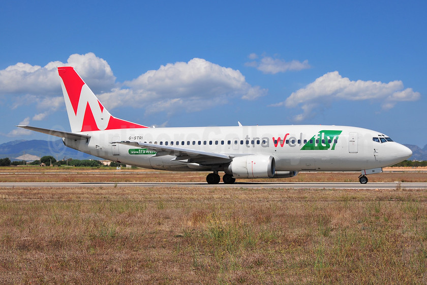 Trawel fly (Astraeus Airlines) Boeing 737-33A G-STRI (msn 25011) PMI (Ton Jochems). Image: 953257.